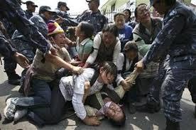 迫害されるチベットの人達