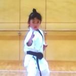 八歳の空手少女